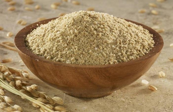 Stabilized rice bran for poultry feeding